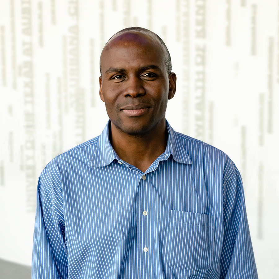 picture of Akin Akinbosoye